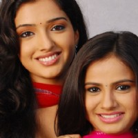 Amrapali and Payal as Suman and Kanchan in Rehna Hai Teri Palkon ki Chaaon Mein