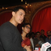 Aamir Khan and Kiran Rao at Star Parivaar Awards 2014