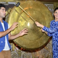 Deeksha tries to hammer Armaan's head on Entertainment Ke Liye Kuch Bhi Karega