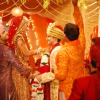 Varmaala exchanging in YRKKH