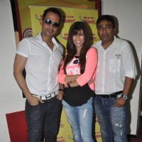 Manmeet Singh, Anjjan Bhatacharya and Khushboo Grewal at Radio Mirchi Studio