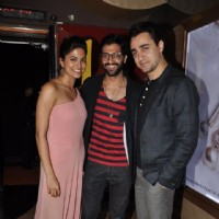 Parvathy Omanakuttan and Akshay Oberoi pose with Imran Khan at the Premier of Pizza 3D