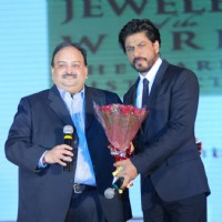 Shahrukh Khan felicitated at the Ticket to Bollywood event