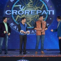 Team CID Abhijeet and Daya with Kapil Sharma and Amitabh Bachchan