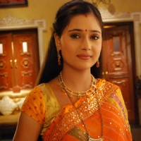 Sara Khan as Sadhna looking marvellous