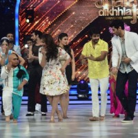 Parineeti and Aditya shake a leg with the contestants on Jhalak Dikhhlaa Jaa