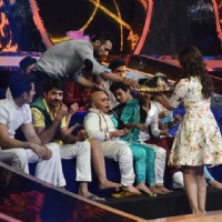 Parineeti Chopra distributes sweets to the contestants on Jhalak Dikhhlaa Jaa