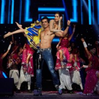 Sonu Sood performs with Malaika Arora Khan at Slam Tour in Washington