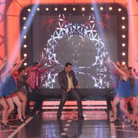 Salman Khan performs on Bigg Boss 8