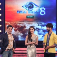 Shahid Kapoor and Shradda Kapoor with Salman Khan on BB 8