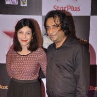 Shilpa Shukla poses with a friend at Star Box Office Awards
