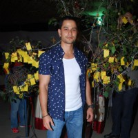 Kunal Khemu poses for the media at Pet Adoptathon 2014