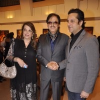 Fardeen Khan poses with Sanjay Khan and Zarina Khan at Camel Colors Exhibition