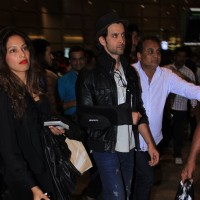 Bipasha Basu & Hrithik Roshan Snapped at Airport