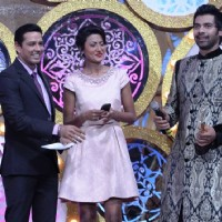Shabbir Ahluwalia won an Award at Zee Rishtey Awards 2014