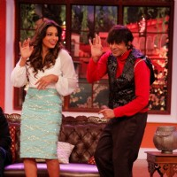 Bipasha Basu performs with Sunil Grover at the Promotions of Alone on Comedy Nights with Kapil