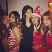 Jennifer Winget celebrating Christmas with friends.
