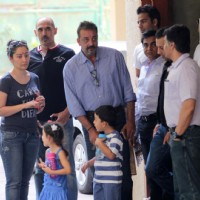 Sanjay Dutt Leaves for Yerwada Jail on Finishing Furlough