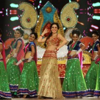 Bruna Abdullah Performs at Umang Police Show