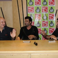 Manish Paul & Anupam Kher share a laugh at the Launch of the film Baa Baa Black Sheep