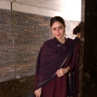 Kareena Kapoor poses for the media at Soha Ali Khan's Mehendi Ceremony