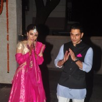 Soha Ali Khan and Kunal Khemu greet the media at their Wedding Reception