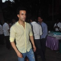 Aamir Ali was snapped at the Prayer Meet of Madhur Bhandarkar's Mom