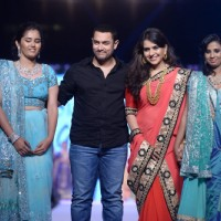 Aamir Khan with Shaina N.C at Fevicol Caring With Style