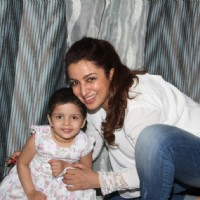 Tisca Chopra with her daughter
