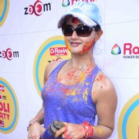 Rashmi Desai poses for the media at Zoom Holi Bash