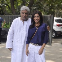Zoya Akhtar and Javed Akhtar pose for the media at the Music Launch of Dil Dhadakne Do