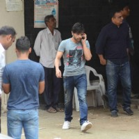 Himesh Reshamiya Snapped at Salman's Residence (Galaxy Apartments)