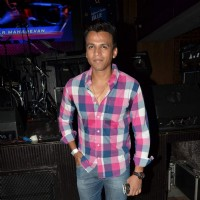 Abhijeet Sawant at Radio Mirchi Top 20 Awards