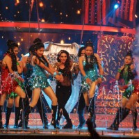 Karisma Kapoor Dances at ZEE DID Grand Finale