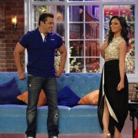 Salman Khan at Comedy Nights with Kapil for Promotions