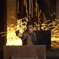 Salman Khan doing firing | Wanted Photo Gallery