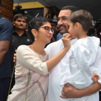 Kiran Rao and Aamir Khan Celebrates Eid With Media