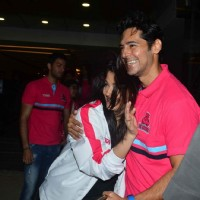 Dino Morea greets Aishwarya at Pro Kabaddi Launch