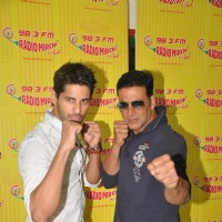 Sidharth Malhotra and Akshay Kumar for Promotes Brothers at Radio Mirchi