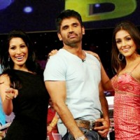 Sunil Shetty with Aarti Chhabria and Sophie Chowdhary