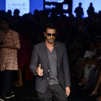 Arjun Rampal walks the ramp at Lakme Fashion Week Day 4