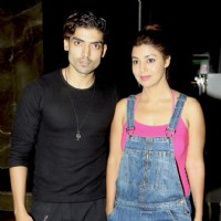 Gurmeet Choudhary and Debina Bonnerjee at Premiere of Lakhon Hai Yahan Dilwale