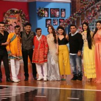 Team Kis Kisko Pyaar Karoon on Comedy Nights With Kapil
