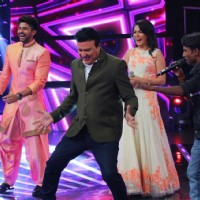 Anu Malik Dances With Hussain K and Mini Mathur at Celebration of Indian Idol 10 Years Journey