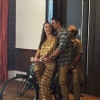 Akshay Kumar and Amy Jackson Rides Bicycle During Promotions of Singh is Bling
