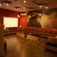 "Living Room of Salman Khan's Chalet at Bigg Boss Nau Sets ""Double Trouble"" Gets a Superhero Twist"