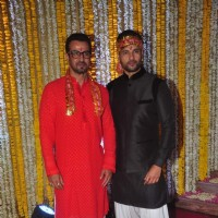 Ronit Roy Hosts 'Mata Ki Chowki' on His Birthday With Brother Rohit Roy