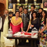 Karan Kundra Celebrates Birthday on the Sets of  Yeh Kahan Aa Gaye Hum with Whole Cast