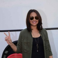 Sonakshi Sinha Snapped at Mehboob Studio!