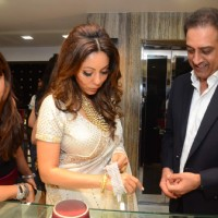 Gauri Khan Checks Out the Mahesh Notandas' New Festive Collection
